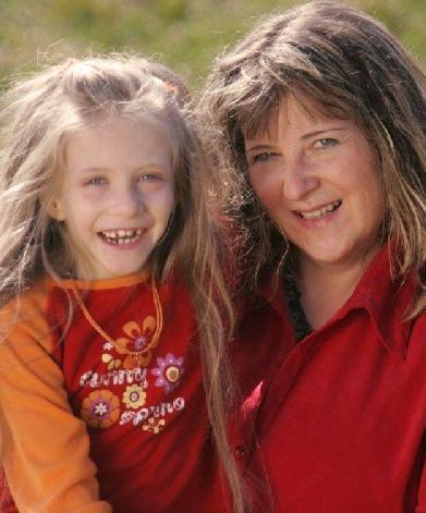 Amelie mit ihrer Mama